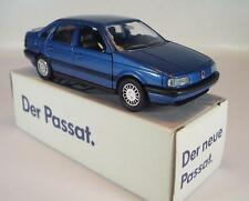 Schabak 1/43 VW Passat metallicblau in Werbebox #1220