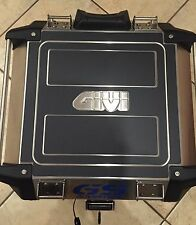 GIVI TREKKER OUTBACK 42 LT. PROTECTION PROTEZIONI, NERO BLACK - THE1200STICKERS
