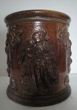 Pot à tabac en grés de BEAUVAISIS au décor de personnages du XIXème siècle