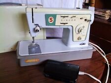 Singer Stylist, model 476 Zig Zag Sewing Machine with Case - Looks Nice!