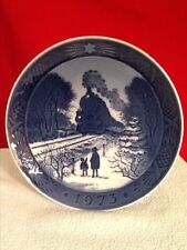 "Denmark Hjem Til Jul Plate 1973 ""GOING HOME FOR CHRISTMAS"" ROYAL COPENHAGEN"
