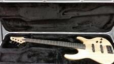 CARVIN BASS BK40 RIGHT HANDED 4 STRING GUITAR W/ CASE] (ST1003049)