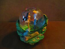 DISNEY POCAHONTAS & JOHN SMITH  The Colors of The Wind  Musical Snow Globe