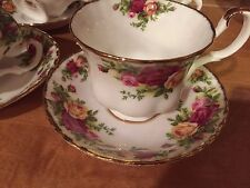 Royal Albert  OLD COUNTRY ROSES  TEA CUP AND SAUCER 1962 ENGLAND
