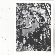 "*Postcard-""3 Children Enjoy Soda Pop in a Hop Field-1930- *Salem, Oregon (#137)"
