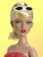Tonner Deja Vu Judy's Ready to Wear doll NRFB limited edition of 500