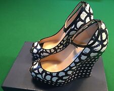 Oscar De La Renta Snake Skin Black & White Womens Shoes, Brand New Sz 38 US 7.5