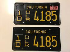1963 CALIFORNIA VINTAGE RARE DEALER BLACK YELLOW CLASSIC CAR LICENSE PLATE SET