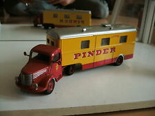 Altaya Circus Pinder Unic ZU51T + Cuisine Trailer in Red/Yellow on 1:64