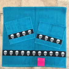 Betsey Johnson 3 pc full hand bath towel set blue black Totally Skulls 27x52