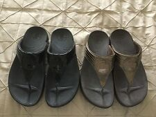 FIT FLOP THONG SANDALS 2 PAIRS BRONZE AND BLACK PATENT LEATHER ***CHEAP***SIZE 7