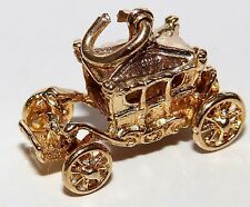 A FINE VINTAGE 9CT YELLOW GOLD CIDERELLA CARRIAGE COACH  CHARM PENDANT 4.2g