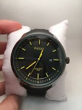 PULSAR PS9101 MENS BLACK DIAL & RUBBER BAND DATE WATCH WITH YELLOW ACCENTS-R1