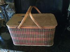 VTG USA REDMON PICNIC BASKET Woven Plaid METAL HANDLES Peru, IN