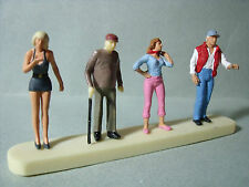 4  FIGURINES  SET 68   COUPLES   VROOM  1/43  A  PEINDRE