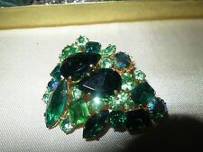 Vintage 1950s goldtone emerald and peridot green rhinestone brooch