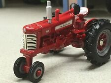 1/64 ERTL FARMALL 450 NARROW FRONT TRACTOR