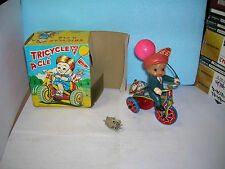 """wind up clockwork  tricycle a clé  """" happy days """" tin toy made in korea en boite"""