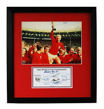 ENGLAND 1966 WORLD CUP WINNERS FULLY SIGNED PRESENTATION BOBBY MOORE CHARLTON