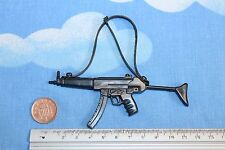 ORIGINAL VINTAGE ACTION MAN SAS TROOPER SMG WITH PLASTIC STRAP CB25399