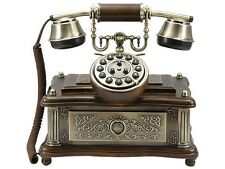 Nostalgico vecchio telefono con nuove tecnologie 1903
