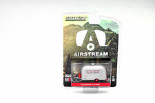 Airstream Bambi Sport silber / rot 1:64 Greenlight