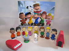 PEANUTS 12 pcs Figure Playset Cake Toppers Snoopy Charlie Lucy Franklin and More