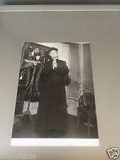 MAURICE CHEVALIER  - PHOTO DE PRESSE ORIGINALE  18x13 cm