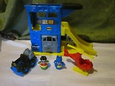 Fisher Price Little People Super Friends Batman Batmobile Batcave Robin set lot