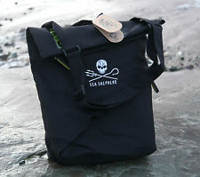 Bagbase Re Pet Reporter Bag Sea shepherd Jolly Roger