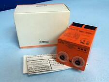 CROUZET SYRELEC LUFR2 230 VOLTS 3 PHASE TIMER RELAY, NIB