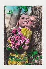 1920S ART DECO ROMANTIC COUPLE IN TREES WITH PINK ROSES ORIGINAL FRENCH POSTCARD