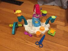 PLAY DOH MAGIC SWIRL ICE CREAM SHOPPE