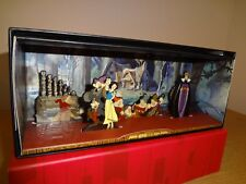 Disney Tiny Kingdom Diorama Shadowbox Snow White and the Seven Dwarfs