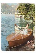 couple romantique  d'amoureux bateau acajou     a.b