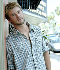 Chris Hemsworth UNSIGNED photo - B187 - HANDSOME!!!!!