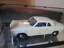 HIGHWAY 61 1963 TEMPEST lemans PONTIAC SUPER DUTY 1/18 WHITE RACE VERSION