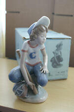 OFFER  BASEBALL BOY LITTLE LEAGUE CATCHER LLADRO 5290 MIB (ORIGINAL STRAW BOX)