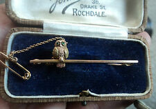 Attractive 9ct Yellow Gold Owl Brooch + Emerald Eyes c.1920/30s + Rochdale Box