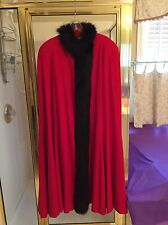 Cest Simone Bergdorf Goodman Fabulous Womens Red Wool Cape With Faux Fur -Size M