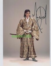 MICHAEL JACKSON SIGNED 10X8 PHOTO, GREAT STUDIO SHOT IMAGE, LOOKS GREAT FRAMED