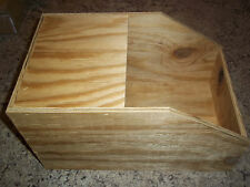 ONE MEDIUM RABBIT WOOD NEST BOX 10X16X9 WITH LID PET BIRD CAGE NEW