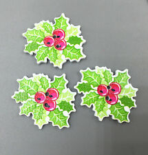 25x CHRISTMAS LEAF & BERRY PATTERN  Wooden Sewing Buttons Scrapbooking 32mm