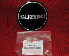SUZUKI GS500 GENUINE OEM 68233-01D00 NEW EMBLEM DECAL CRANKCASE ENGINE B-087