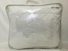HOTEL COLLECTION - Primaloft Lightweight White Twin Comforter NP