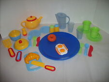 NICE LOT OF 32 PRETEND PLAY DISHES & FOOD  L@@K