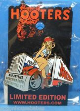 HOOTERS 2008 LOUISVILLE KY KENTUCKY MID AMERICA TRUCK TRUCKING SHOW GIRL PIN