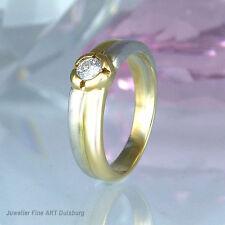 Ring in 585/- Weiß/Gelbgold - mit 1 Diamant ca. 0,13 ct ct. Wesselton/VSI