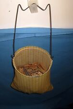 VTG Wire/Cloth Clothespin bag & 100 Wood/Wooden Clothespins Round/Flat-Clip