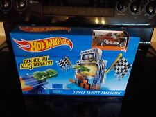 NEW HOT WHEELS TRIPLE TARGET TAKEDOWN~CAN YOU HIT ALL 3 TARGETS??? PLAY SET!!